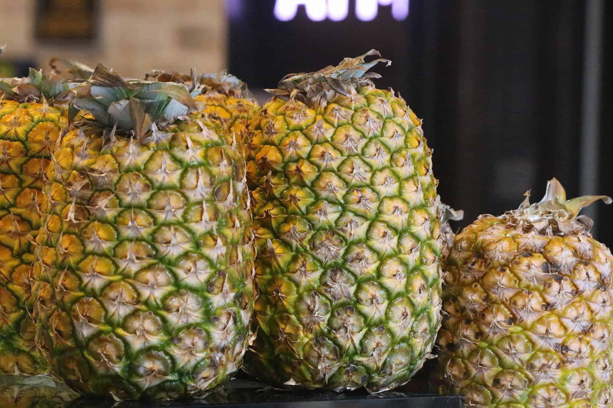 Frisch aufgeschnittene Ananas