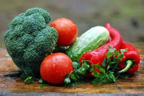 basische Ernährung mit Obst und Gemüse
